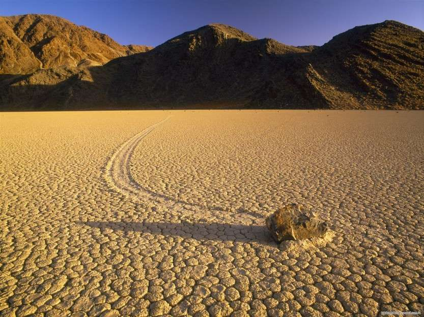 1282932765_racetrack-playa-at-sunset-death-valley-national