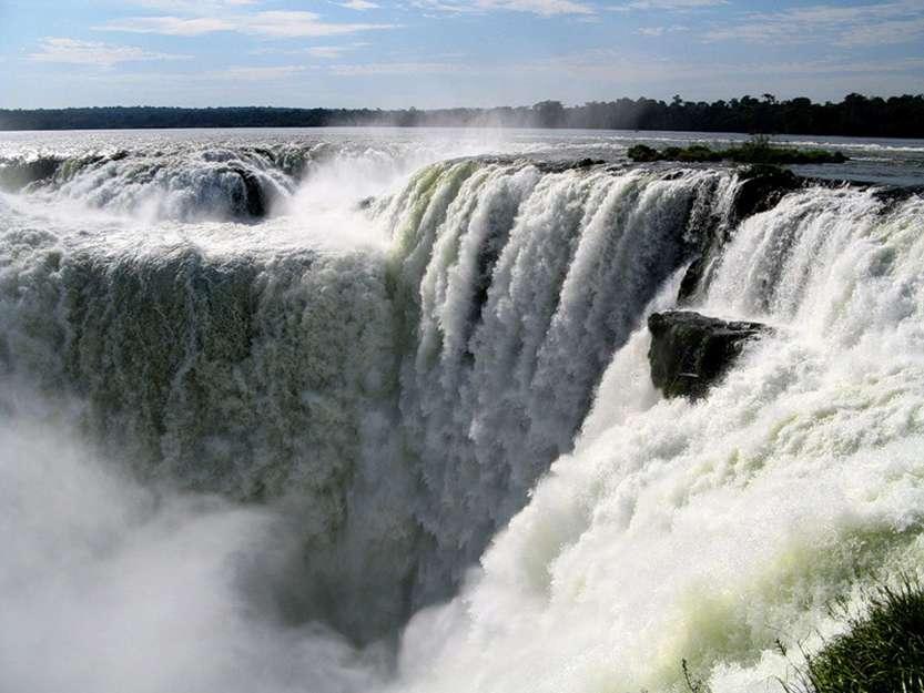2-Водопады Игуасу