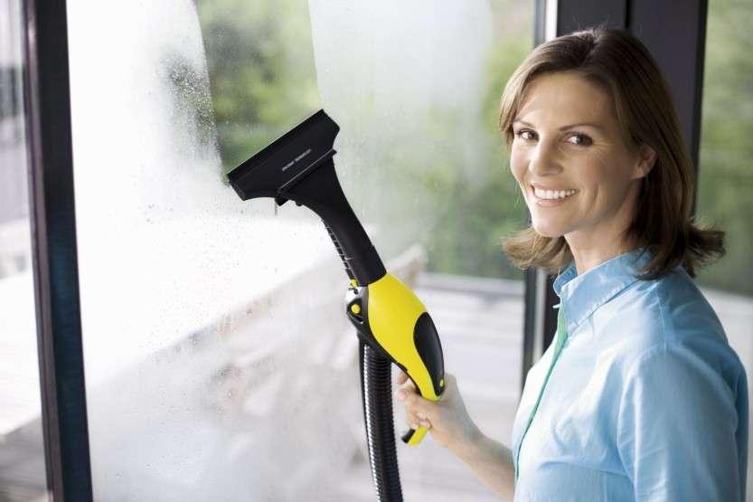 Уборка помещения при помощи пылесоса-пароочистителя Karcher