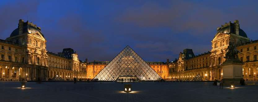 piramida-luvra-foto