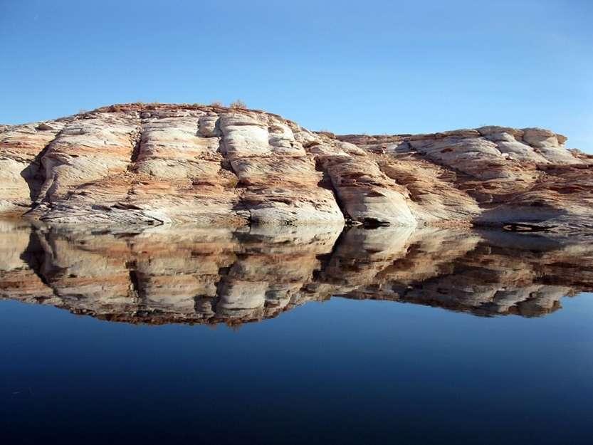 17-Отражение в водах озера Пауэлл