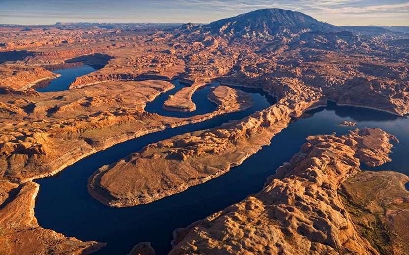 19-Изгибы реки Колорадо в США