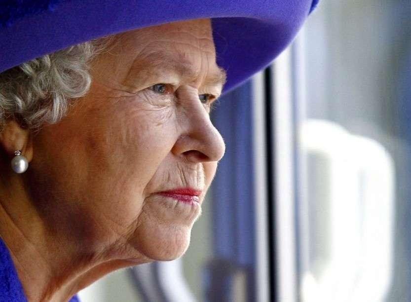 Королеву судят?!