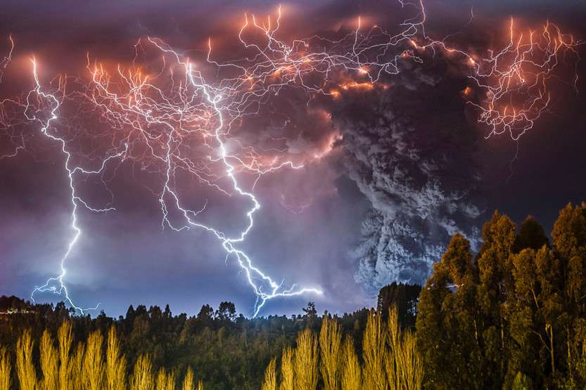 Volcano_Eruption_03