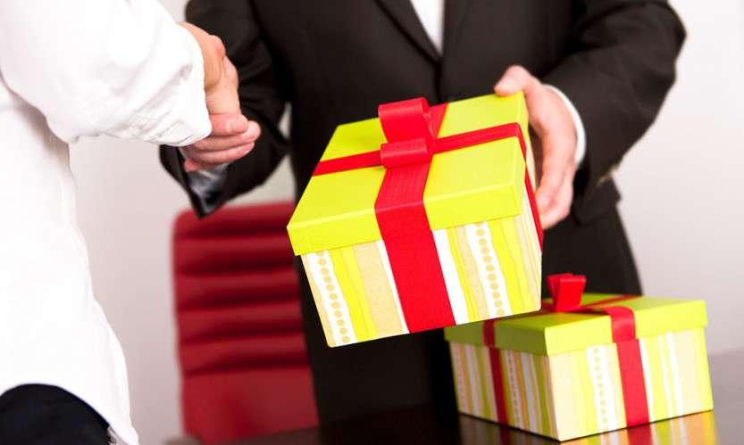 Как мы выбирали подарок шефу или история со счастливым концом