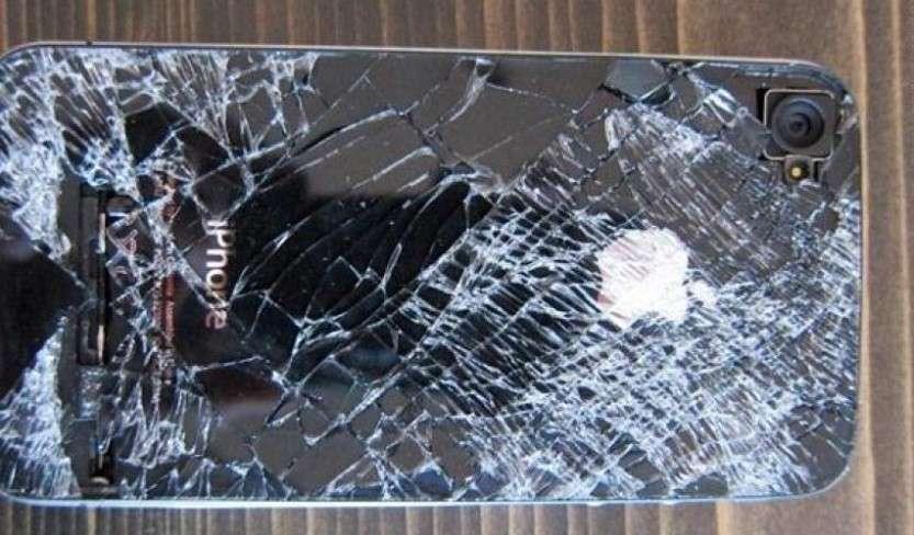 Насколько прочен iPhone?