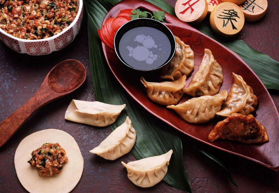 chinese cuisine The history of chinese cuisine is marked by both variety and change the archaeologist and scholar kwang-chih chang says chinese people are especially preoccupied with food and food is at the center of, or at least it accompanies or symbolizes, many social interactions.