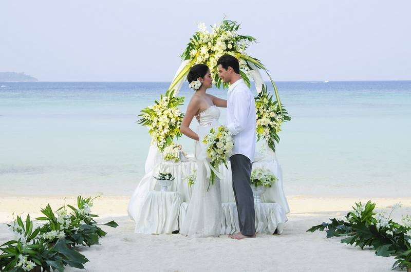 wedding_in_paradise_holiday_inn_resort_phi_phi_island_.jpg_resize_1_11