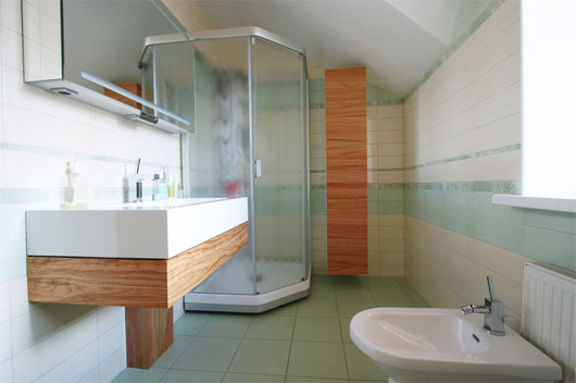 Washstand and bidet in a modern bathroom