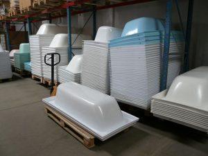 proizvodstvo-akrilovyx-vkladyshej-dlya-vann