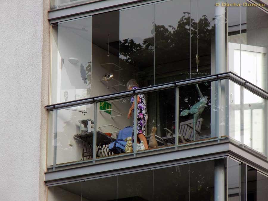 Остекленный балкон - ноу-хау в организации интерьера.
