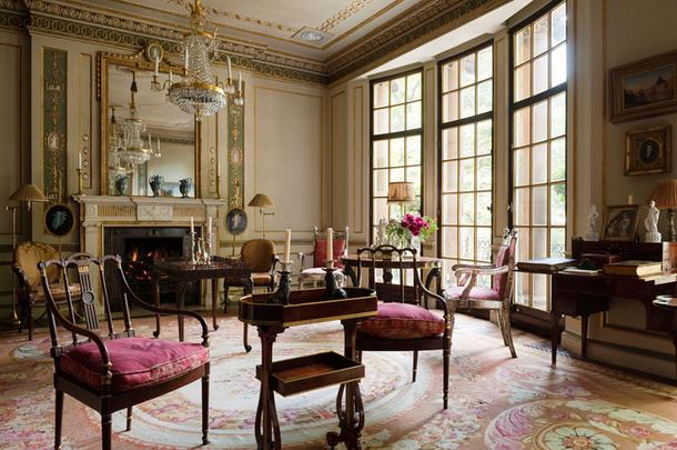 Аристократическая Британия в дизайне гостевой