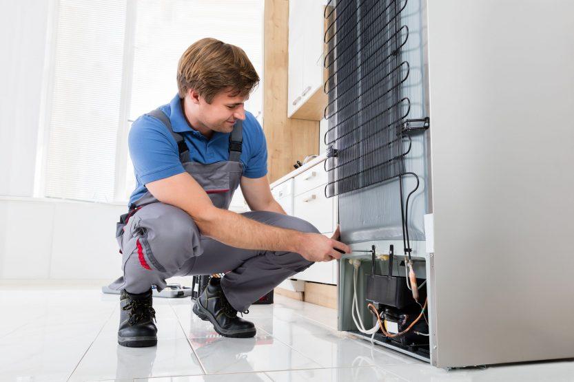Как избежать неприятного запаха с холодильника