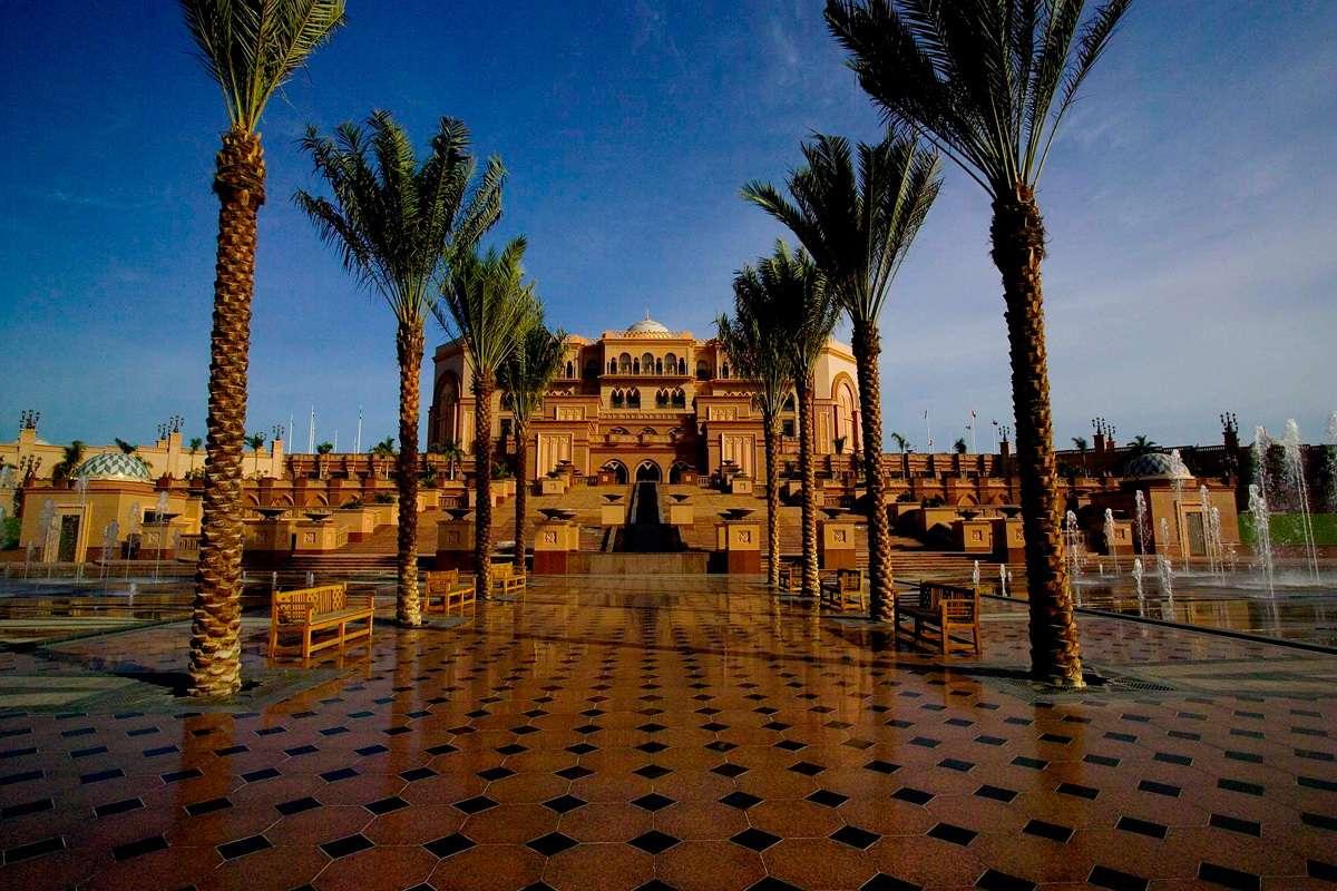 Самые дорогие отели и места для отдыха в мире